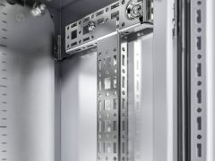 VX8619.790 VX Punched section 14 x 39 mm for door width: 760 mm